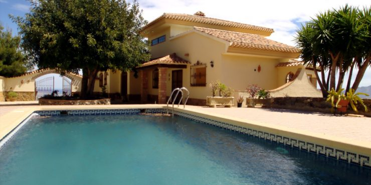 Recent, rural villa in top location for sale in Bedar