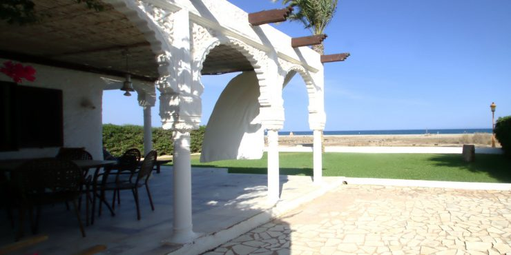 Beachfront villa in Puerto Rey for sale, in prime location
