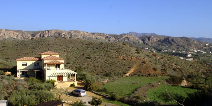 Fabulous Eco Villa with olive grove and pool