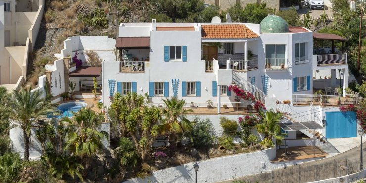 Detached hillside villa in Mojacar Playa with stunning Sea Views