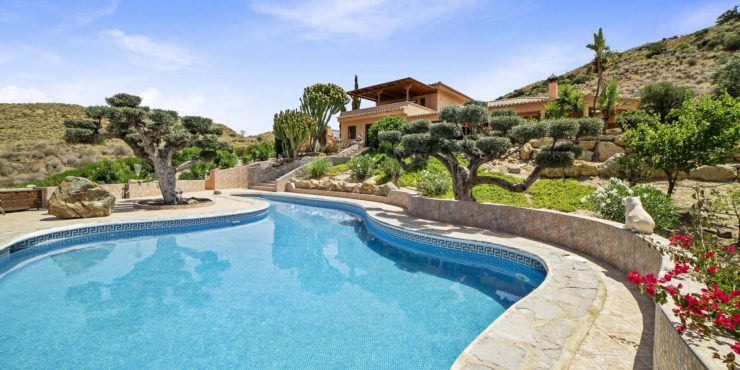 Stunning Country House with Pool in a Magical Location