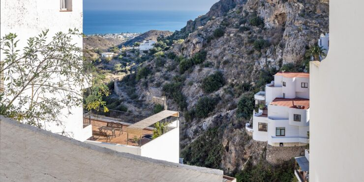 Building plot in Mojacar Pueblo with sea views