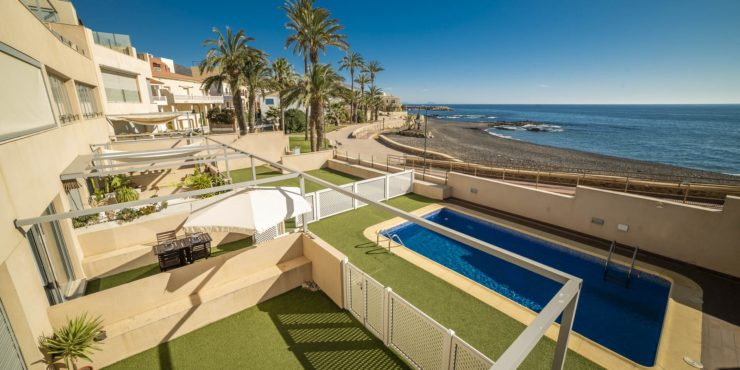 Beachfront apartment in Villaricos for sale