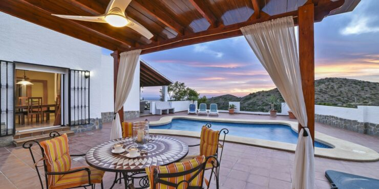 Renovated cortijo in the hills of Mojacar Playa with sea views