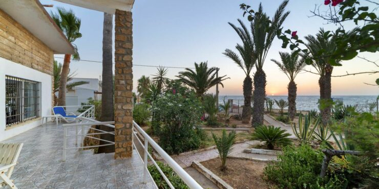 Detached house at the seafront of Mojacar
